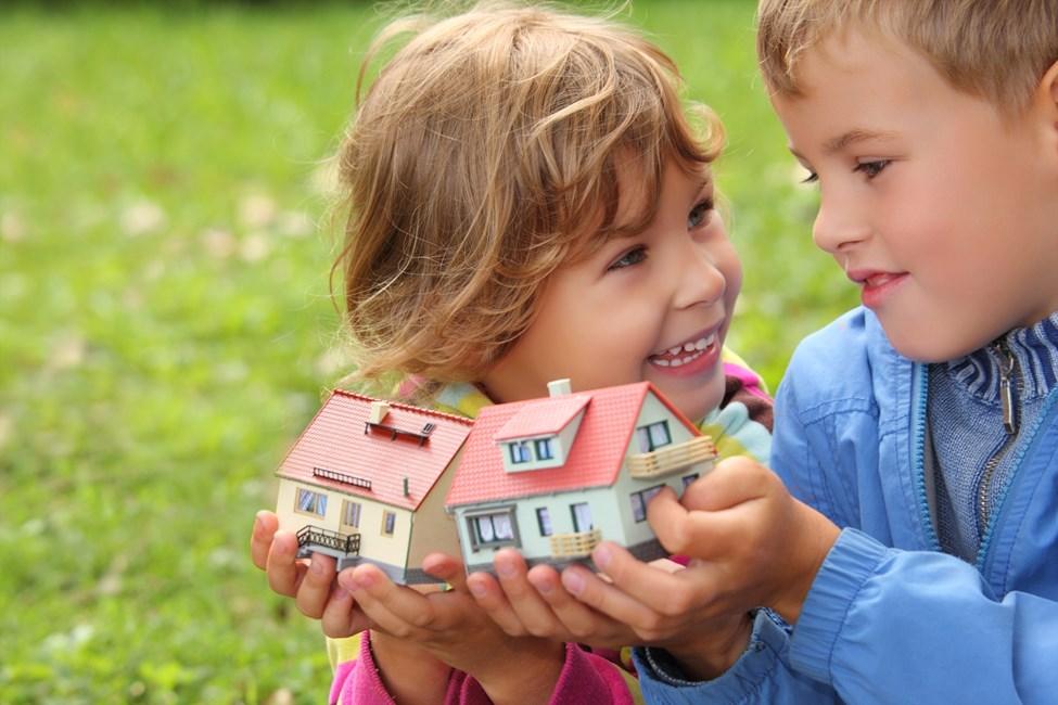 Как продать квартиру с несовершеннолетним ребенком не собственником