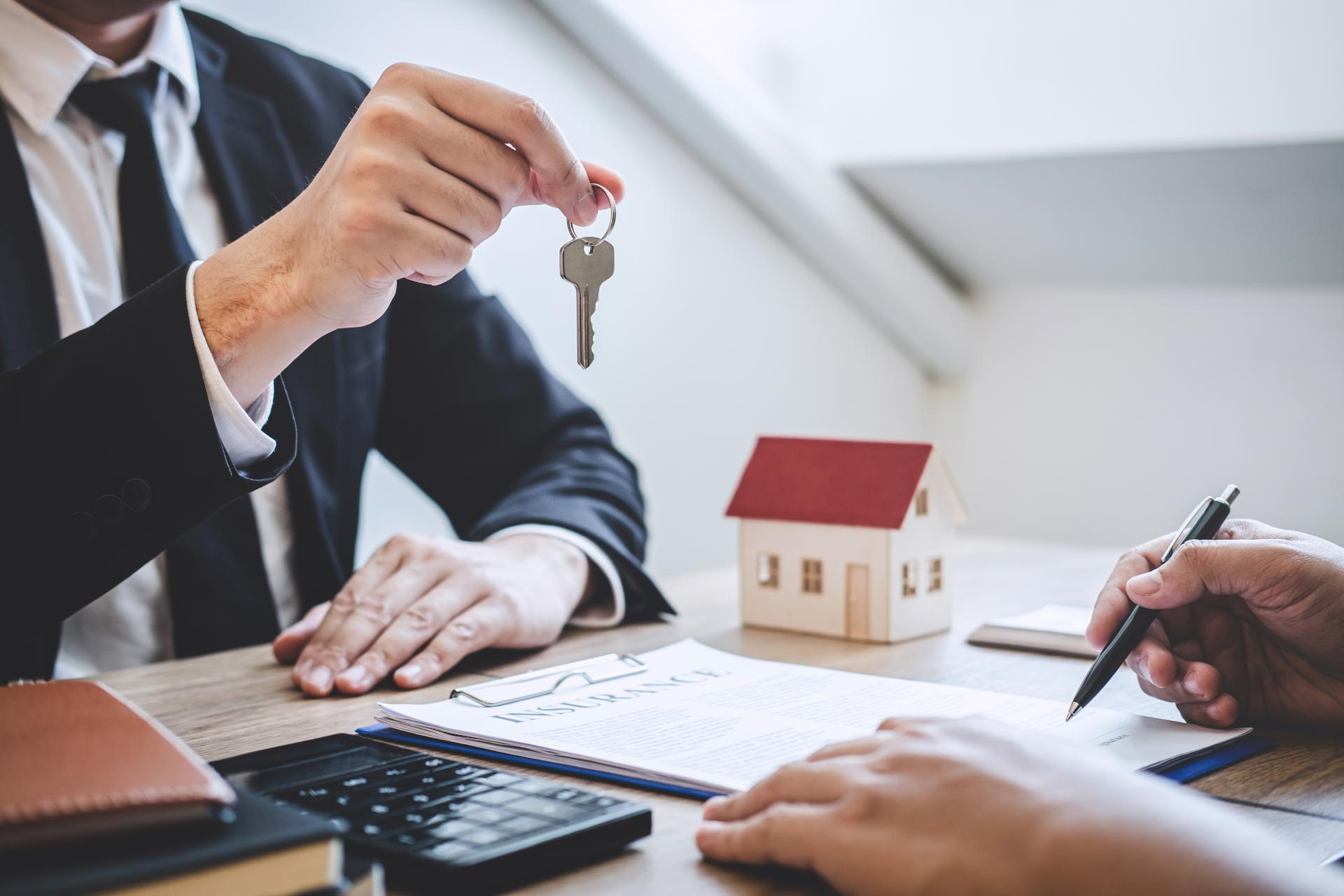 Как происходит передача квартиры при продаже
